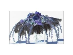 cappello di fiori azzurro