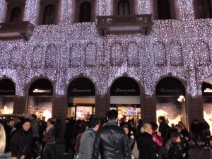 Colori del Natale: le luci argentate alla Rinascente Firenze